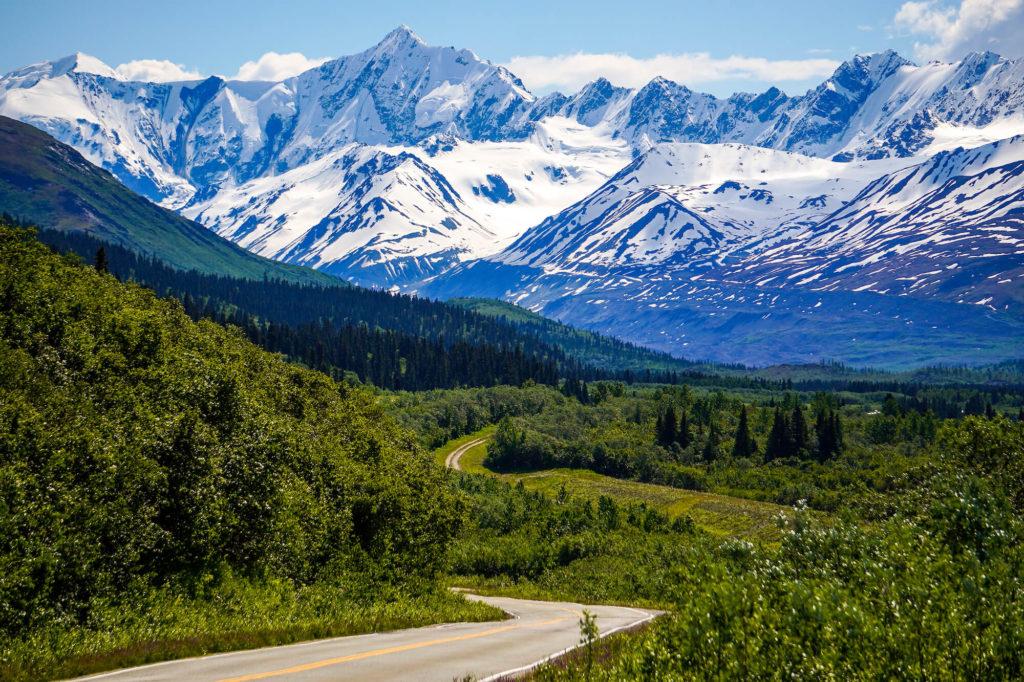 Malownicza trasa podczas wycieczki na Alaskę